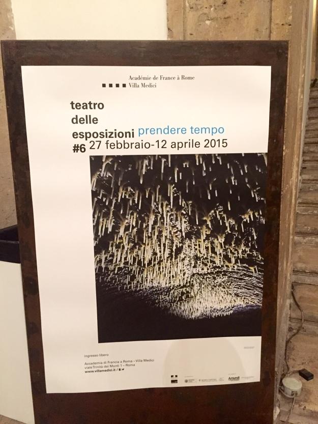 Prendere tempo. Teatro delle Esposizioni #6. Locandina. Accademia di Francia Villa Medici a Roma. Foto Safarik Art Magazine