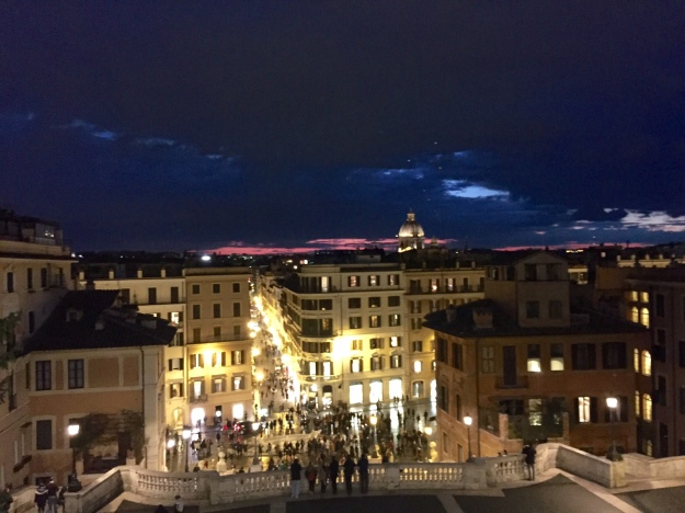 Rosso e Blu. Il cielo di Roma. Foto Safarik Art Magazine