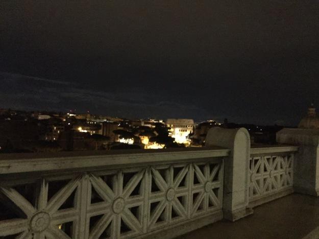 Veduta del Colosseo dalla terrazza del Vittoriano 1. Mostra Armenia. Foto Safarik Art Magazine