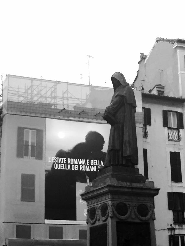 L'estate di Giordano Bruno a Campo de' Fiori. Foto Safarik Art Magazine