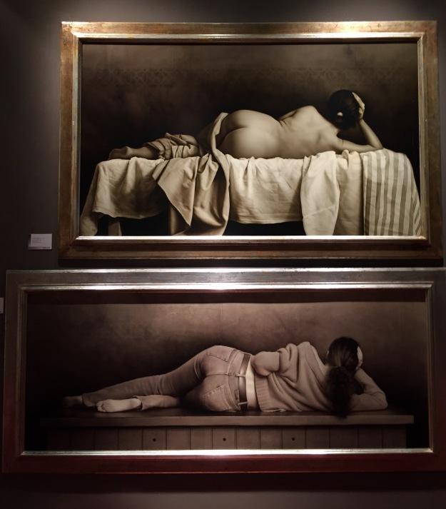 """Juan Bautista Nieto (Sevilla, n. 1963), """"Desnuda de espaldas"""" (2006) in alto - """"Isabel con jersey rojo"""" (2007) in basso, Barcellona, MEAM, Museo Europeo d'Arte Moderna. Foto SAM"""