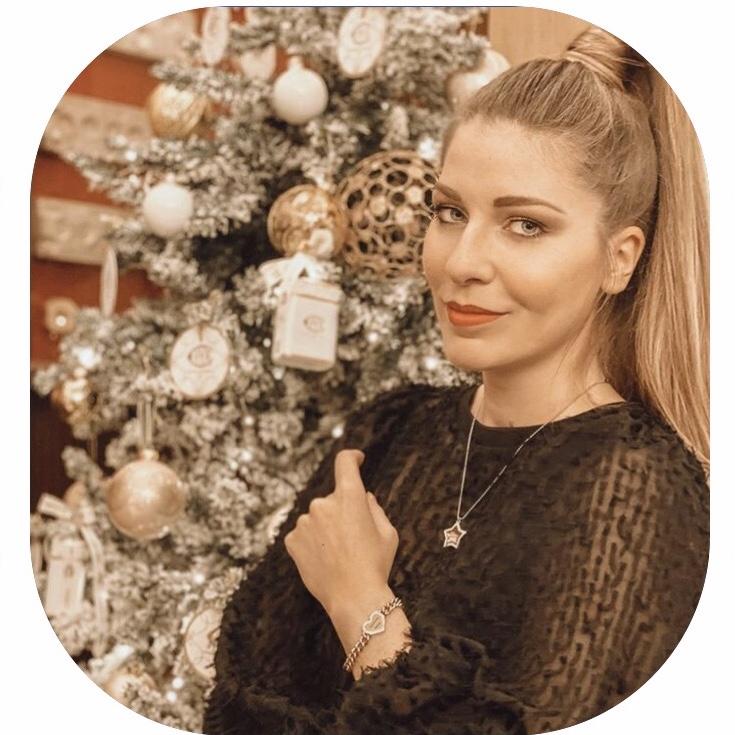 Evelina Helèna Novelli nella foto profilo di Clubhouse (EHN)